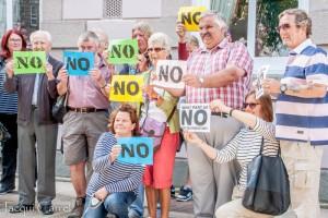 esplanade protest - jacqui carrel - jersey - 16 june 2015-20